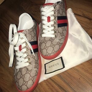 NWT Gucci Ace GG supreme 'Beige' shoes